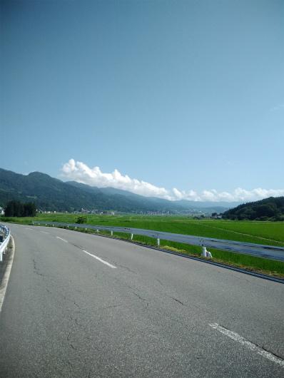 飯山サイクリング戸狩方面に向かう道