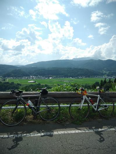 見晴らし街道とロードバイク