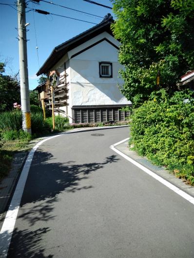 蔵のある道