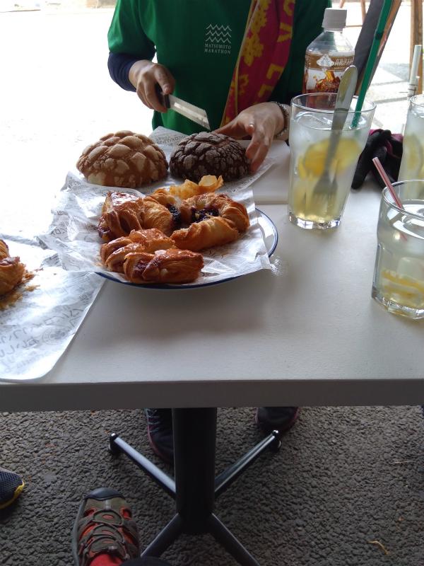 メロンパンとデニッシュピクニック