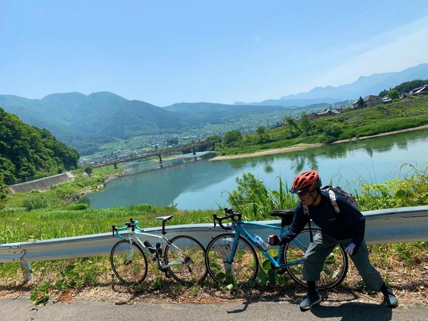 千曲川に沿ってサイクリング