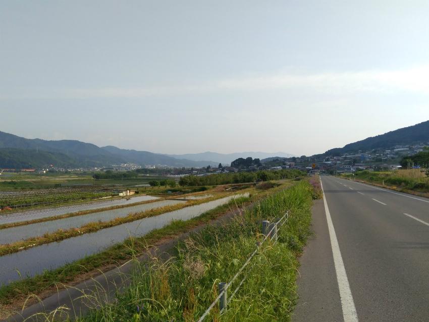 飯山サイクリング中野新幹線高架付近