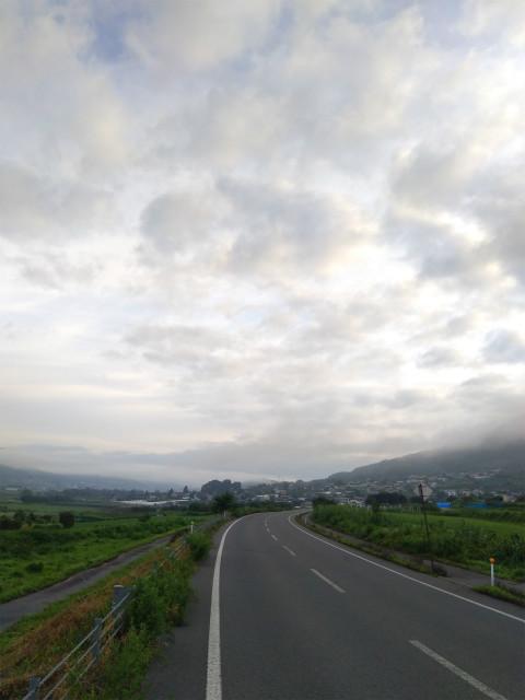 高社山近くの道