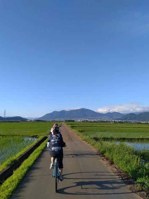 延徳田んぼと高社山