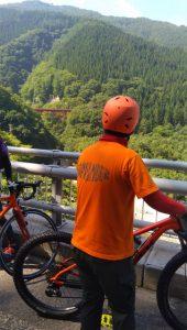 高井橋を眺める