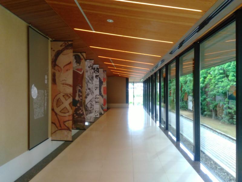 北斎館廊下