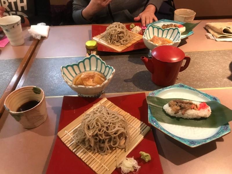 飯山六兵衛蕎麦と笹寿司