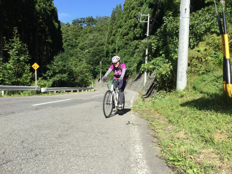 クロスバイク女子八滝到着