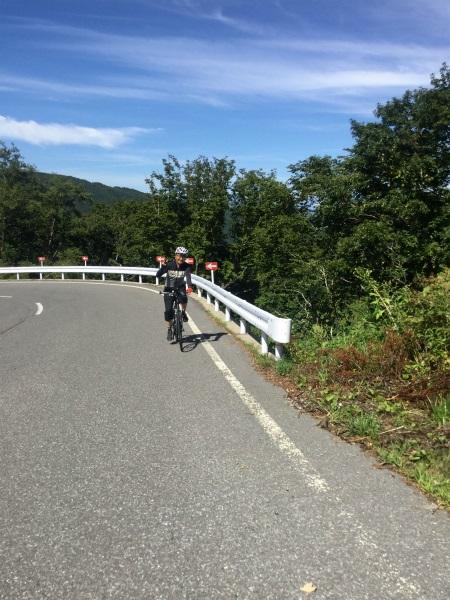 山田牧場まであと少しのクロスバイク
