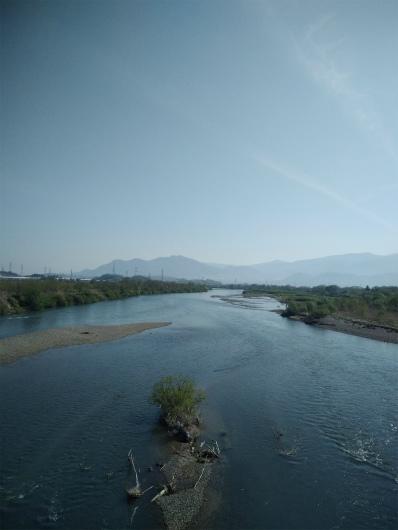 小布施橋から千曲川を眺める