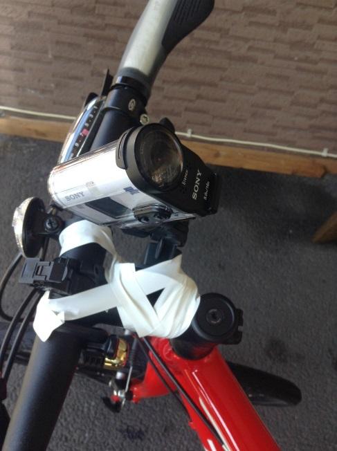アクションカメラを自転車につけて