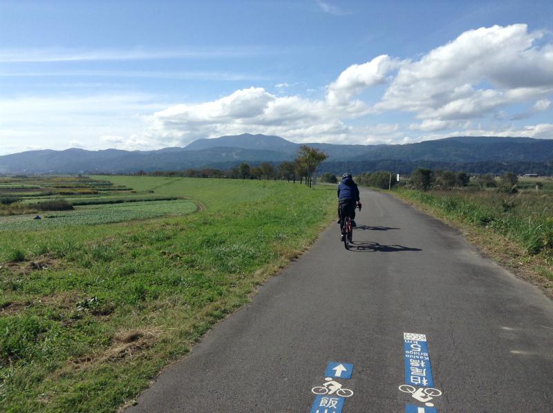 飯山巨木を巡るサイクリング サイクリングロード