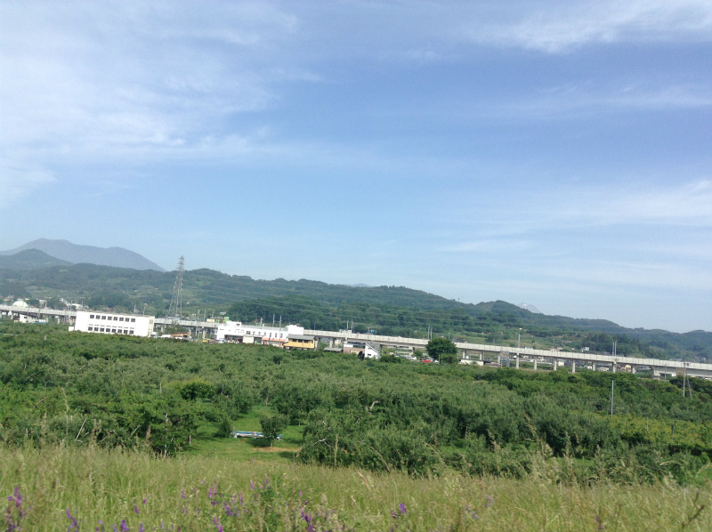 千曲川豊野堤防から北陸新幹線方面