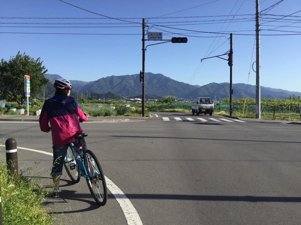須坂へサイクリング 日滝の農道の信号